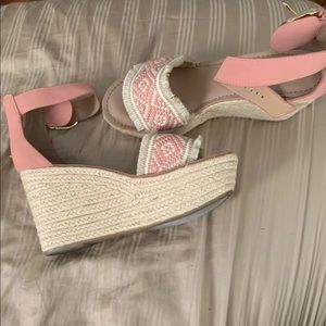 Super cute vacation/summer shoes!